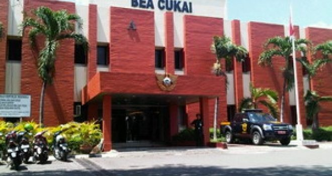 Mengapa Paket Tertahan di Bea Cukai Bandara Soekarno Hatta